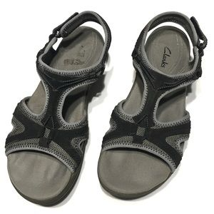 Clarks walking sandals size 7 1/2M black and gray